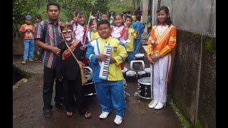Marching Band dalam Upacara Adat Sunda by efullama