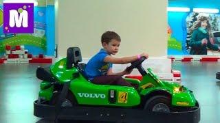 ВЛОГ Киев Кидсвилль играем фермера и водим машину посетим магазин игрушек Kidswill shopping