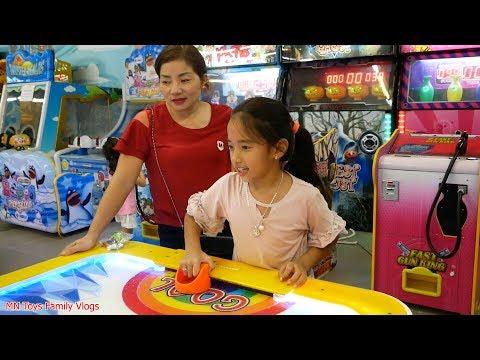 Mẹ Ghẻ Con Chồng Phần 16 - Đi Chơi Siêu Thị - MN Toys Family Vlogs