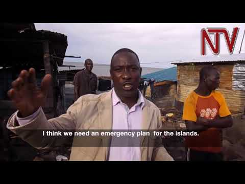 Red cross donates to victims of Kalangala fire