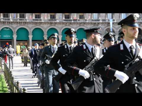 Festa della Repubblica 2 giugno 2015, parata militare in piazza duomo Milano