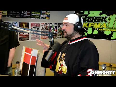 Film Critic Reviews Yoga Hosers to Kevin Smith