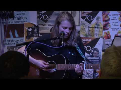 Marika Hackman - Cigarette (live at Rise, Bristol - 5th June 17)
