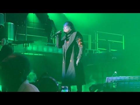 Corey Taylor Halts Slipknot Show To Urge Fans To Let Medics In
