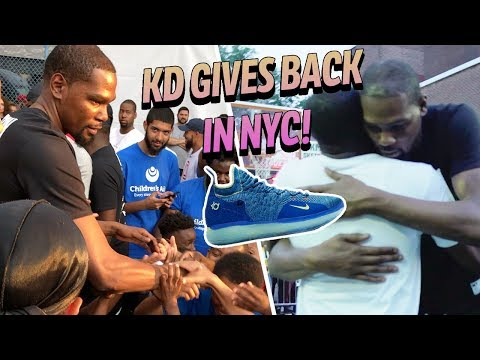 3cdefcc5fd11 Kevin Durant Gives Away FREE KD 11s! Returns To DYCKMAN   Hangs With Fans 👀