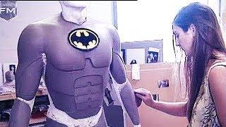 Creating The Batman Suit 'Batman Returns' Featurette