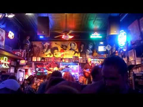 3 ROBERT'S HONKY TONK BAR - LIVE COUNTRY MUSIC IN NASHVILLE TENNESSEE 2017