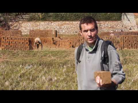 Madagascar: travel tips about local traditions