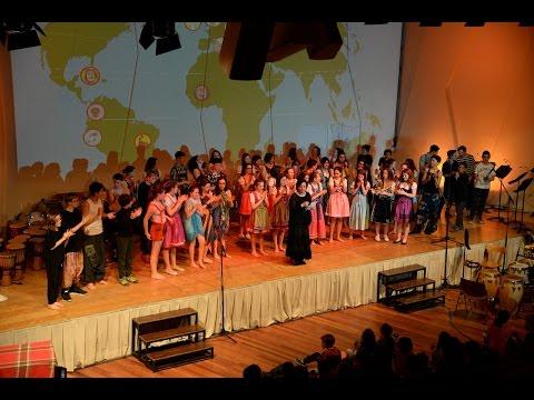 A musical journey around the world 8. 4. 2017 Val Gardena con Donatella Valetta