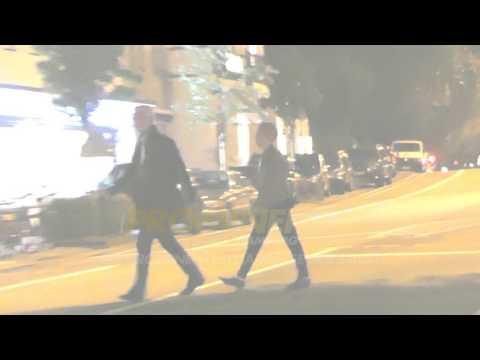 AUSRASTER! Sky Du Mont geht auf Paparazzo los. Prügel, Beleidigungen und Polizeieinsatz!