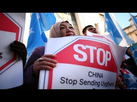 """إلى جانب معسكرات الإعتقال.. الصين تنتهج أسلوباً جديداً لتدمير ثقافة """"الإيغور""""  - 13:00-2021 / 3 / 3"""