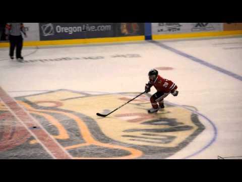Winterhawks v Seattle Dash for Cash 2010.wmv