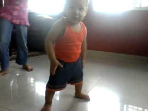 Dexter alexander Dexter Alexander Jura que sabe Bailar!