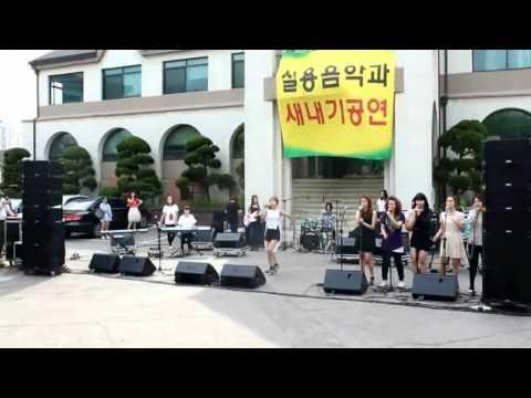 "5dolls (파이브돌스)'s Chanmi (찬미) performing ""Mercy"""