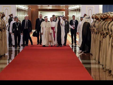 محمد بن زايد: زيارة البابا تحمل رسالة سلام للعالم