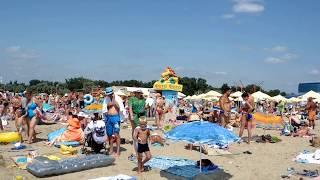 Анапа,пляж. видео онлайн.(Пляж Анапы,в июле,переполнен до предела., 2014-07-16T16:38:35.000Z)