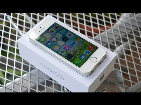 NEW iPhone 5s (Silver): Unboxing & First Impressions