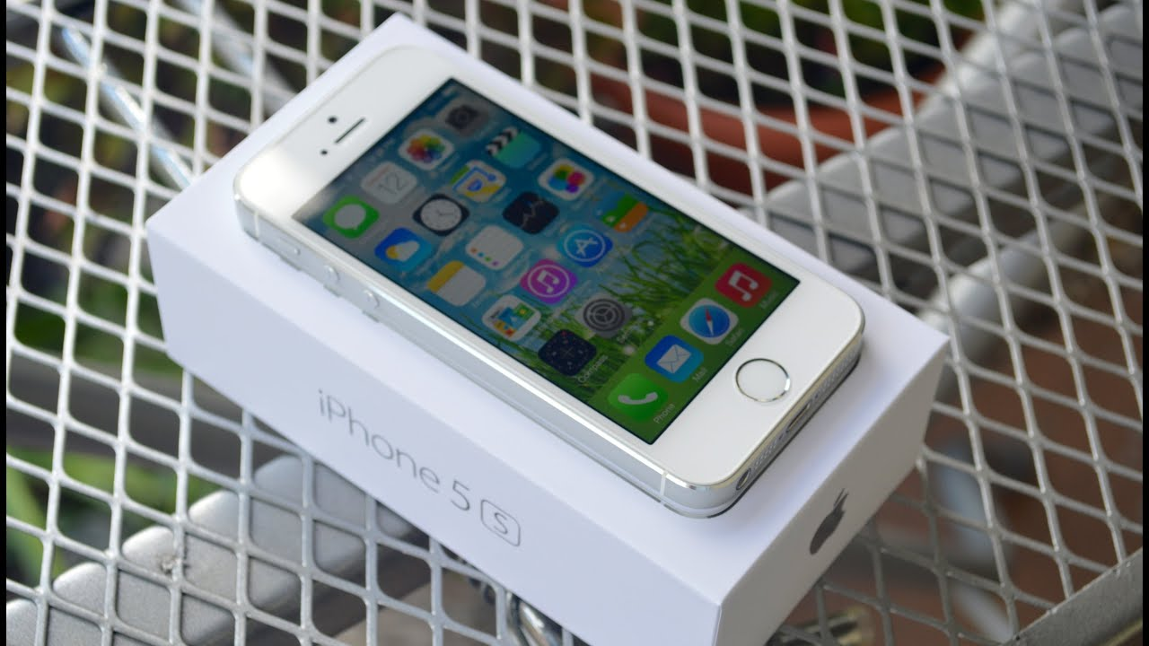 new iphone 5s silver unboxing first impressions youtube. Black Bedroom Furniture Sets. Home Design Ideas