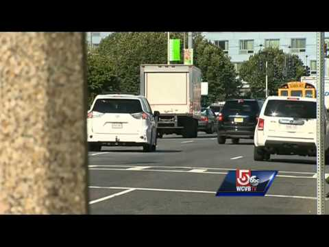 Woman claims abduction attempt in Boston