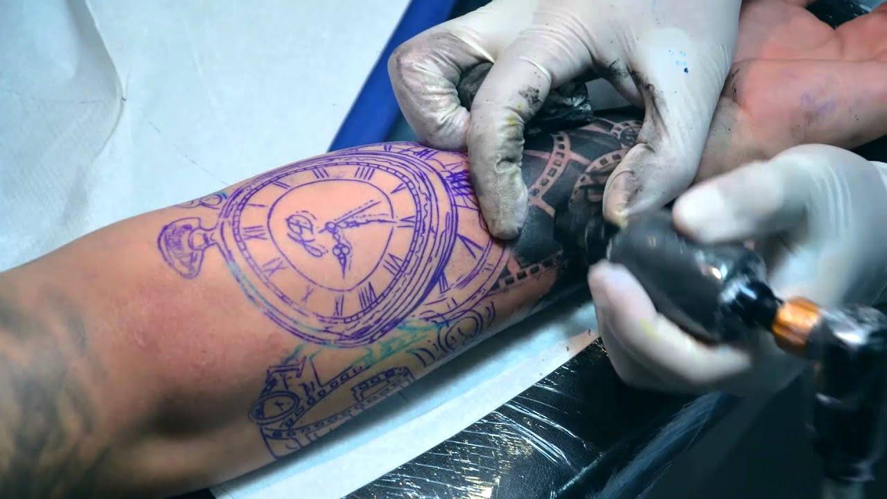 Tatuajes De Rosas Y Relojes Tatuajes Tatuadores Y Amantes De Los