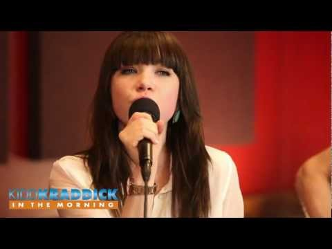 "Carly Rae Jepsen interview & ""Call Me Maybe live acoustic performance"