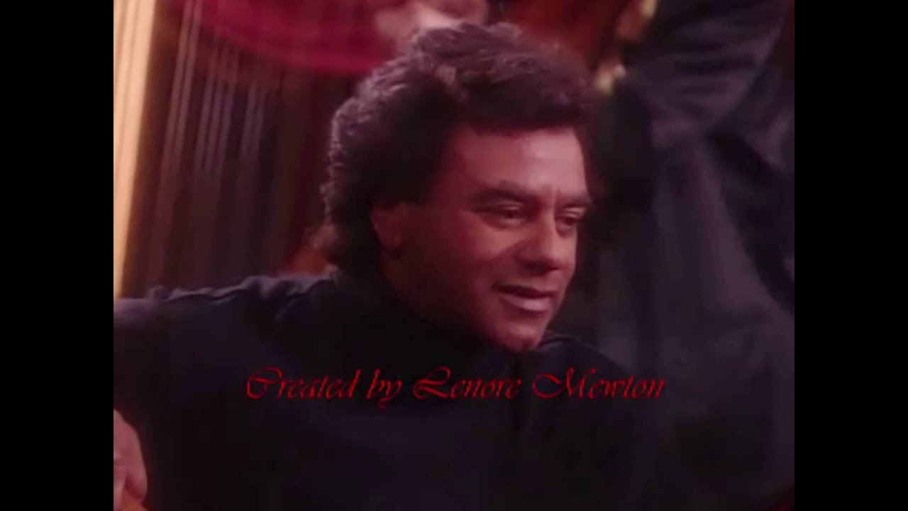 Johnny Mathis ~ Merry Christmas Darling - YouTube