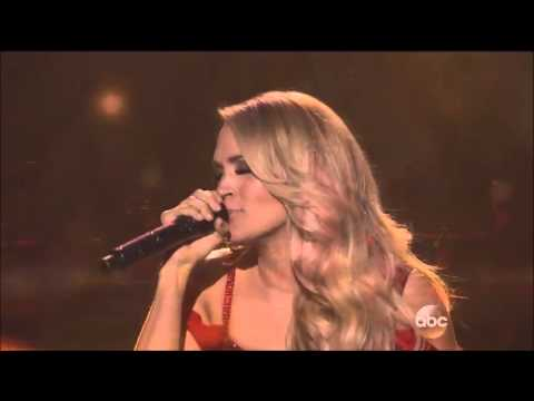 Carrie Underwood Performs at the 2015 AMAs