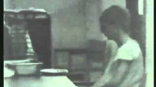 85 Philip ZIMBARDO, Experimento de la prision de Stanford