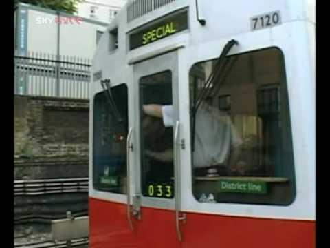 The Tube - Rush Hour Pt 1 (Series 1 Episode 4)
