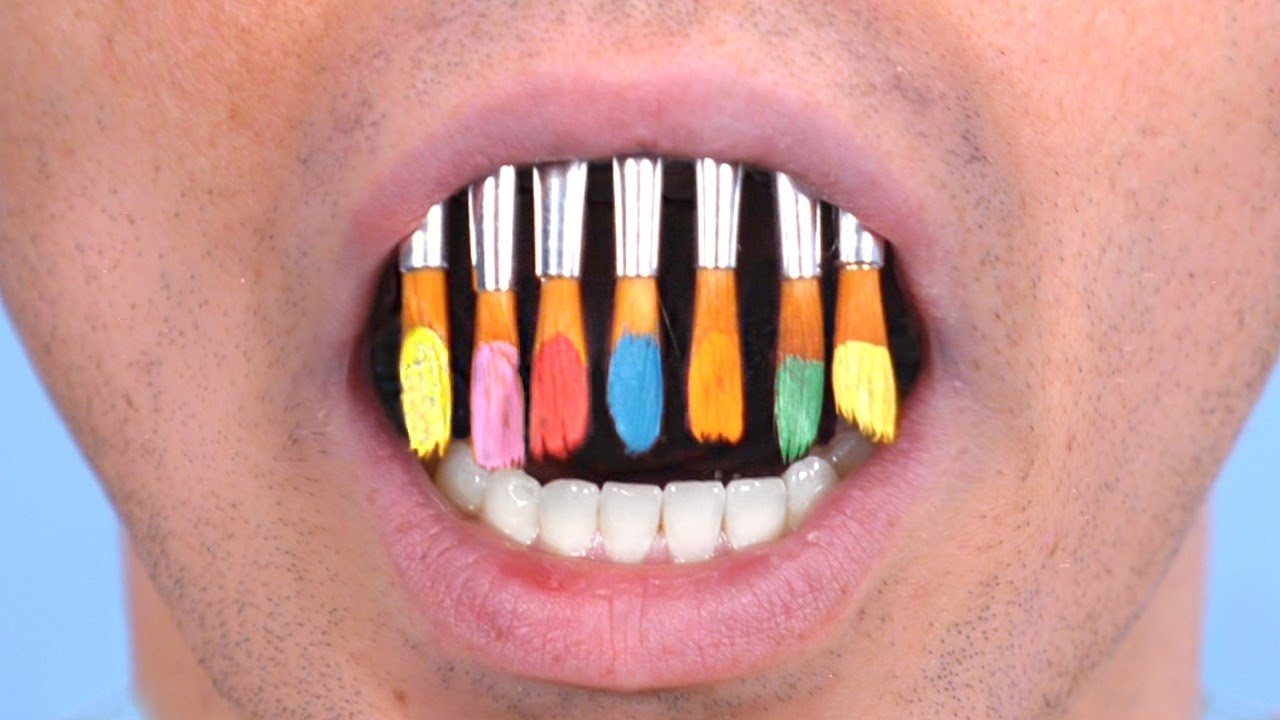 TEETH MADE OF PAINTBRUSHES!