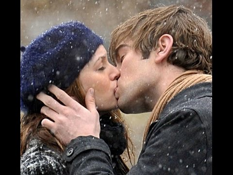 9 Amazing Hugs And Kisses Gifs For Xmas Season Youtube