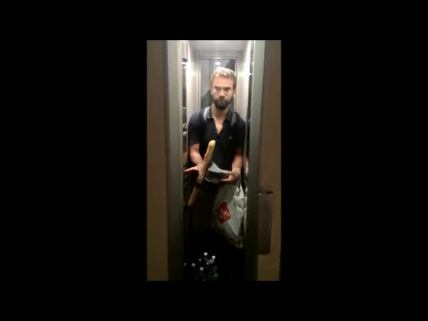 How to fit a baguette into an elevator in Paris