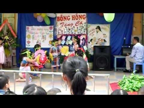 mã hồng nhung -(múa hoa ban vao lop) 20/11/2010