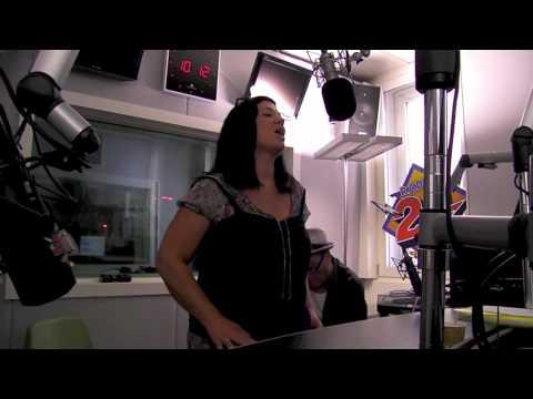 Cathryn - Life Feels Like (Live Radio 24 CH-Szene)