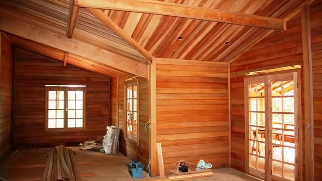 Constru o de uma casa de madeira em s o paulo youtube for Modelos de casa pequenas para construir