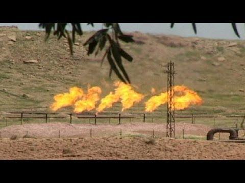 Kürt peşmergeler Kerkük'teki petrol sahalarını ele geçirdi