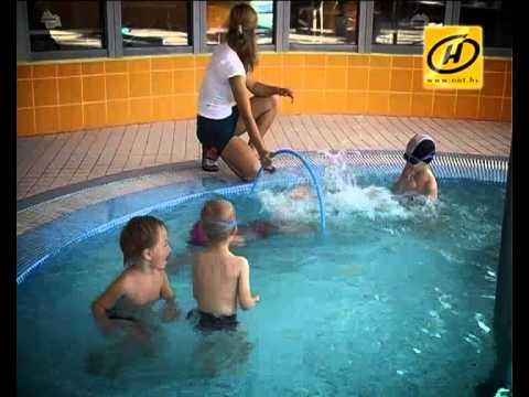 Бассейн для малышей: как правильно учить плавать?