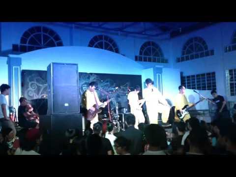 Hoodlum - Chupoy chupoy (Live at Adamson University with Silent Sanctuary and Mayonnaise)