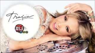 """Thalia presenta """"Solo Parecia Amor"""" en """"Planeta 103.5 FM"""" (Juárez - 15.05.2015)"""