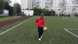 Как играть в футбол|Урок 1|#Жонглирование мяча,чеканка,набивание