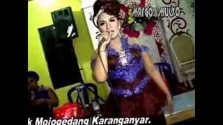 Campursari Sangkuriang Woyo Woyo | Kanggo Riko - Ngidam Pentol