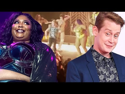 Tony Mansmith - Home Alone's Macaulay Culkin Joins Lizzo On Stage In Los Angeles