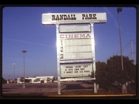 Randall Park Mall 2016: A Look Back