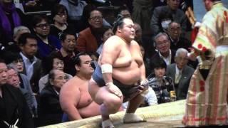 前日に琴奨菊の連勝を止めた豊ノ島。自らも優勝争いに残る為には負けら...