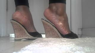 Repeat youtube video Thick feet in wedges
