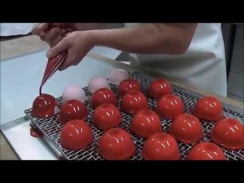 pâtisserie-glaçage-dôme-framboise-chocolat