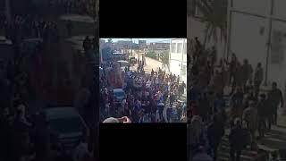 لحظة وصول جثمان الشهيد  سمير حديدان الى مقر سكناه  ببريكة في  باتنة  بعد استشهاده في  تيبازة