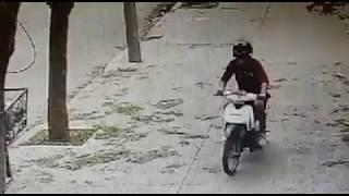 En plena cuarentena, así robaron una moto de una panadería en Córdoba