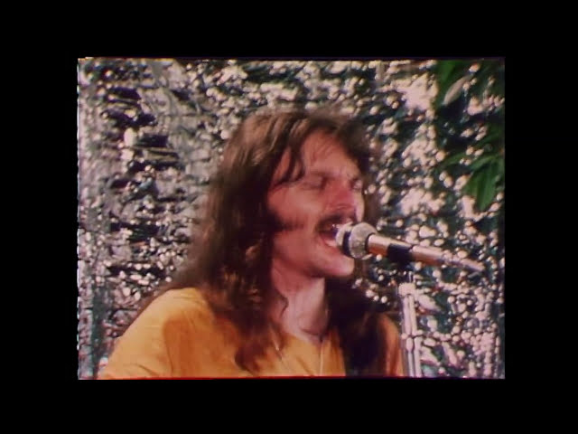 the-doobie-brothers-take-me-in-your-arms-official-music-video-rhino
