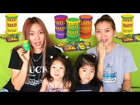 видео: САМЫЕ КИСЛЫЕ КОНФЕТЫ В МИРЕ! toxic waste challenge//ВЫЗОВ!